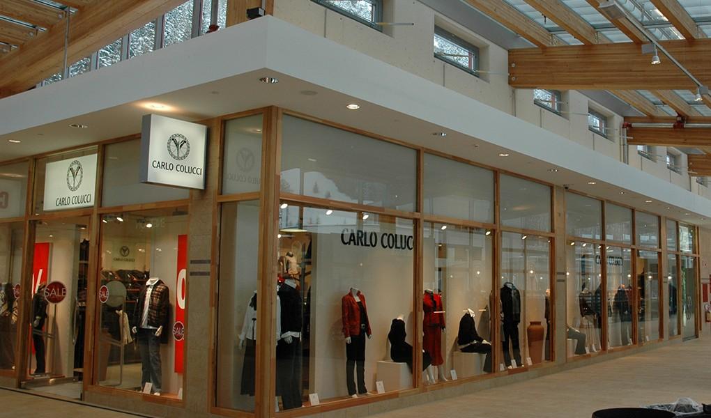 Innenausbau im Einkaufszentrum in Südtirol